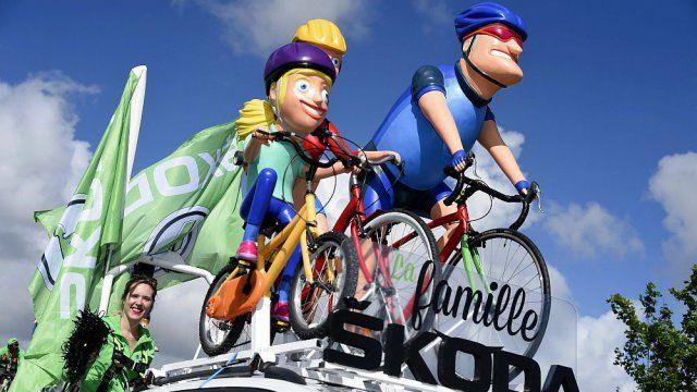 Tour de France : au coeur de la Caravane publicitaire - France 3 Basse-Normandie