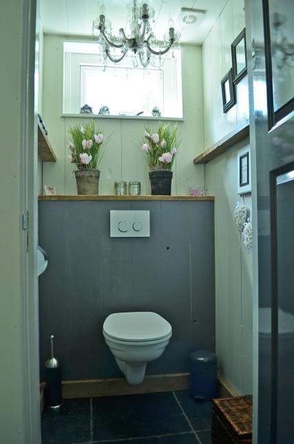 25 beste idee n over badkamer kleuren blauw op pinterest badkamer verf kleuren blauwe - Kleur wc ...