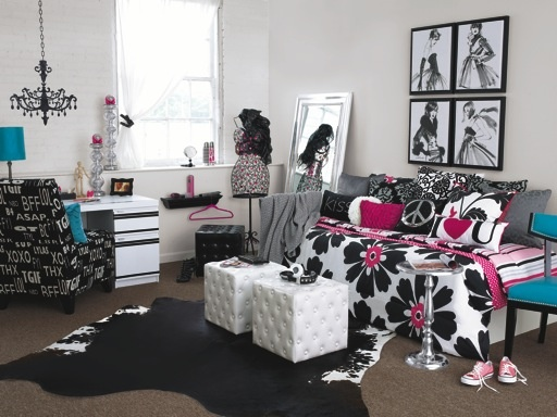 this socialite styled room combines fashion interior design and pop culture find out what - Fashion Designer Bedroom Theme