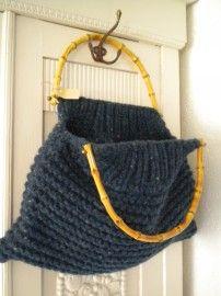 H037 Gebreide tas Blauw | Gebreide tassen ... | Het Leeuwtje