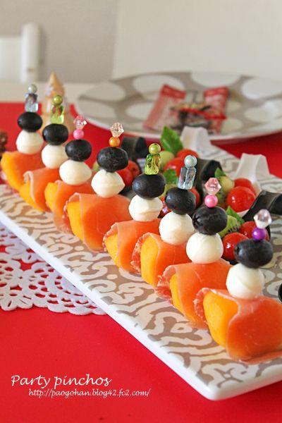柿モッツァレラのパーティーピンチョス☆クリスマステーブルコーディネート - ぱおのおうちで世界ごはん☆