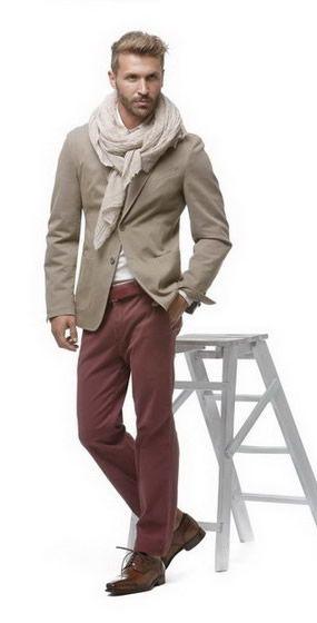 Autunno Inverno 2015/16  La giacca decostruita è un punto fermo del guardaroba maschile adatta ad ogni occasione ed estremamente confortevole, ancora più sofisticata se si realizza con i tessuti bicolori da tingere in capo.