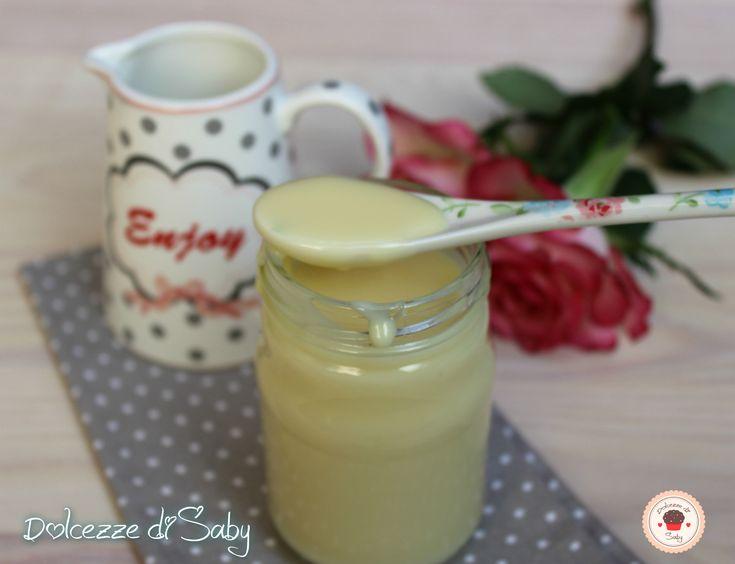 il latte condensato é una golosissima crema semplice da fare e utile per preparare tante ricetta ma anche da gustare a cucchiaiate.