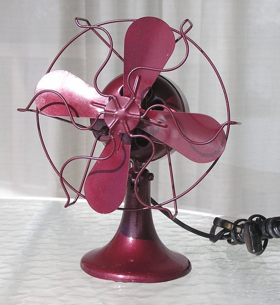 Vintage Small Electric Fan Burgundy Red by jayceecarmeljewelry   37euro
