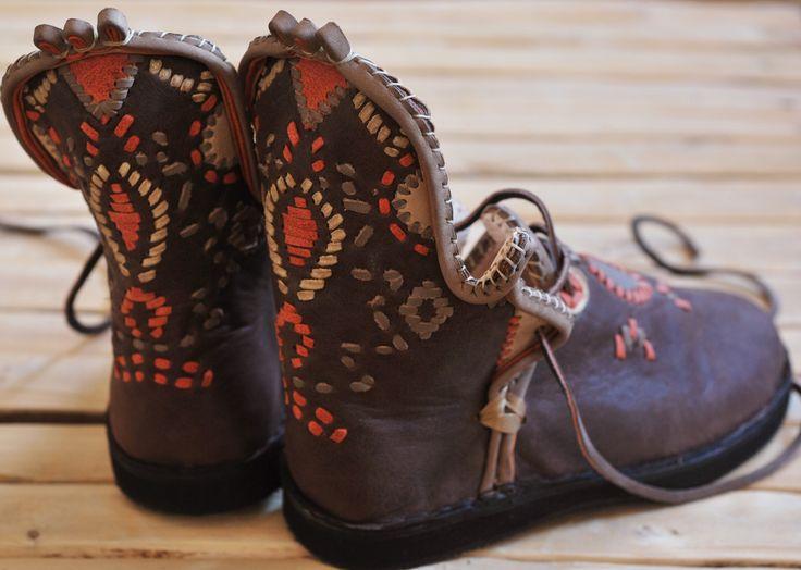 Chaussures artisanales en cuir, babouches montantes, bottes : Chaussures par aeka