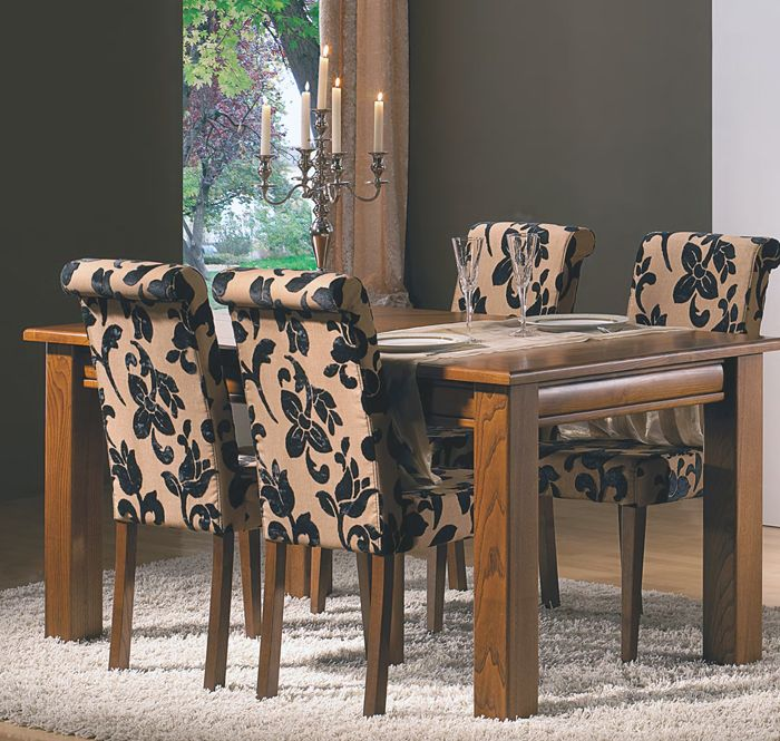 mesa comedor clsica extensible en color cerezo natural fabricada en madera de roble combinada con