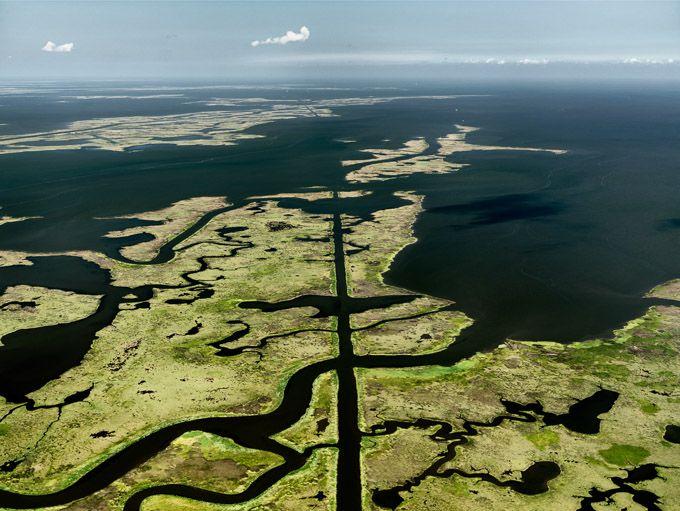 // Edward Burtynsky WATER, Gulf of Mexico