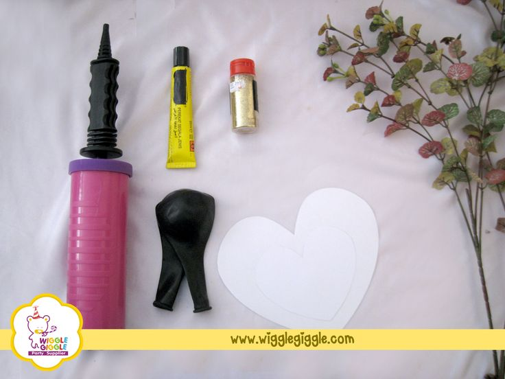 All you need to prepare are: -Latex balloon -Heart shaped paper (you decide the size) -Glue -Glitter powder Visit us at www.wigglegiggle.com
