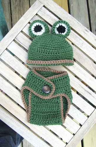 Crochet Baby hat Frog and diaper cover