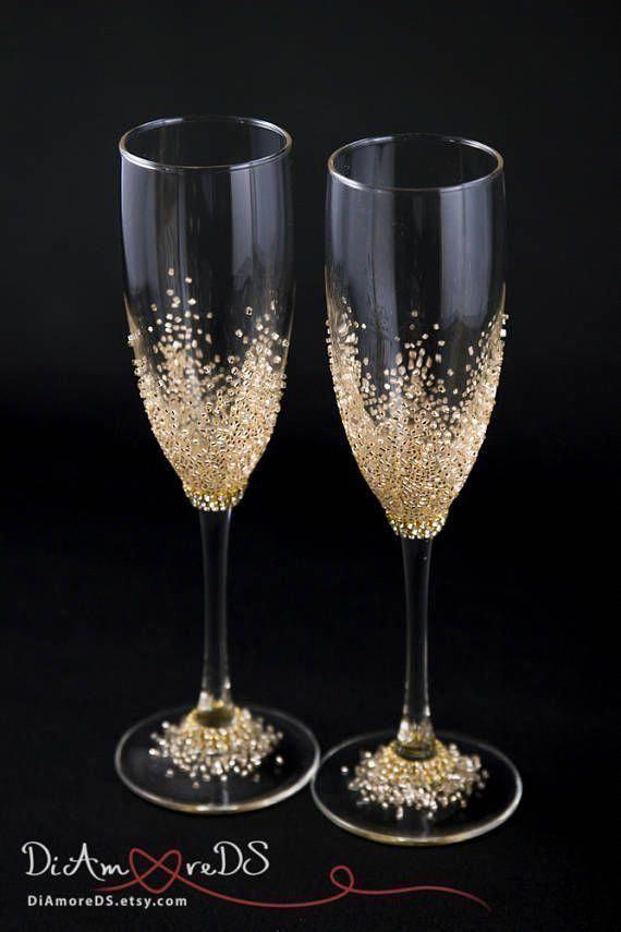 Wedding Champagne Flutes Wedding Flutes Toasting Flutes Personalized Champagne Glasse Decorated Wine Glasses Glitter Wine Glasses Wedding Champagne Glasses