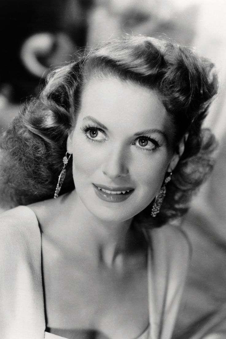 Maureen O'Hara, 1950.   - TownandCountryMag.com