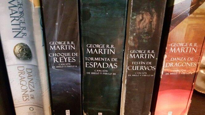 JUEGO DE TRONOS ,  DEL YA INMORTAL AUTOR GORGE R. R. MARTIN.