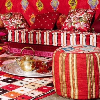 Red red redInspiration, Indian Summer, Poufs, Colors Furniture, Caravan Interiors, Red Room, Boho, Bohemian Style, Bohemian Home