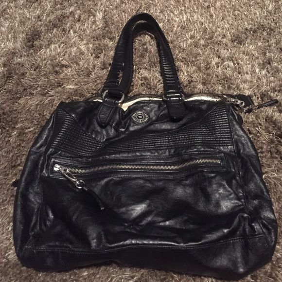 Black leather diesel purse! Some wear on handle, outside is in good condition, inside has some stains overall a good purse! Diesel Bags Shoulder Bags