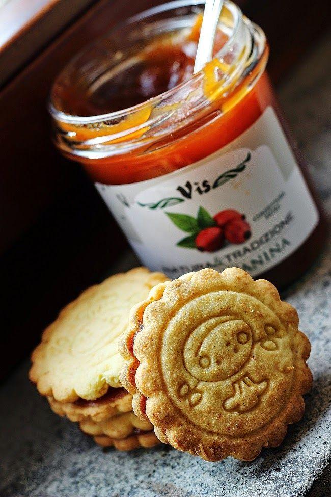 Dolci peccati di gola: Frollini alla farina di farro con marmellata di r...