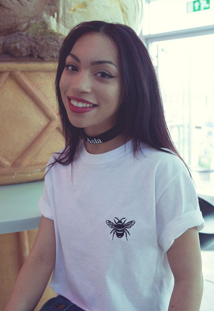 Baby bee Embroidered White cropped t-shirt | Emma Warren | ASOS Marketplace