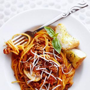 No need to worry about a separate pan to boil spaghetti. The noodles cook right in the sauce in this no-fuss dinner recipe.
