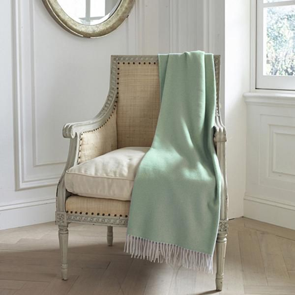 Luxury throws by Léron Linens. Pure Cashmere Throw.
