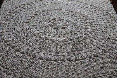 Obrus szydełkowy okrągły 140cm.