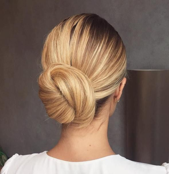 20 Sophisticated And Easy Professional Hairstyles For Women Professional Hairstyles For Women Easy Professional Hairstyles Professional Hairstyles