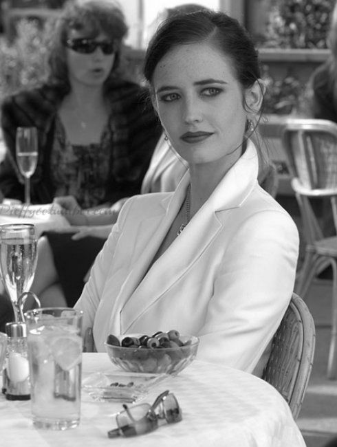"""I think she is the leading lady from """"Perfect Sense"""" (Eva Green)."""