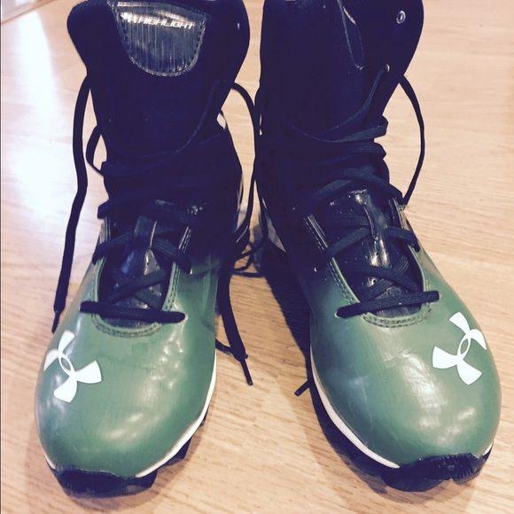 Boys football cleats Green and black boys under armor football cleats. Under Armour Shoes