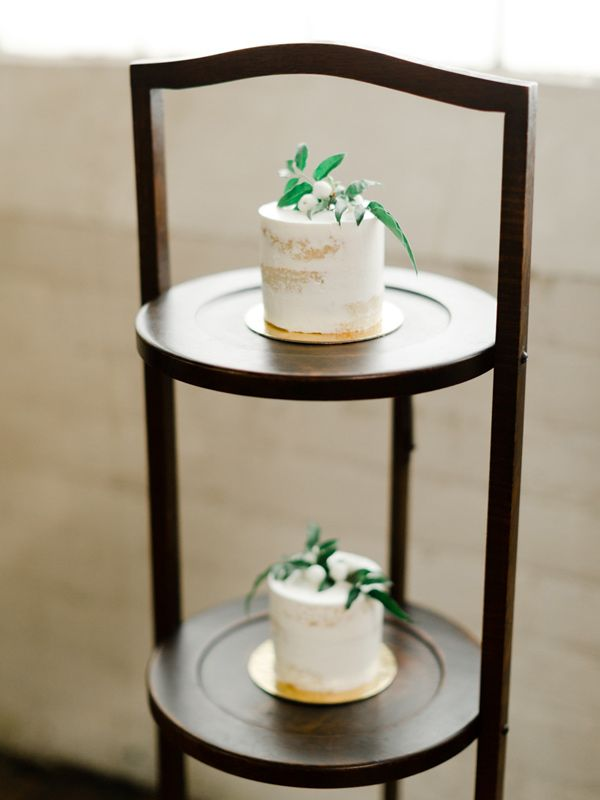 individual cakes - photo by Katie Nicolle Photography http://ruffledblog.com/romantic-intimate-styled-shoot