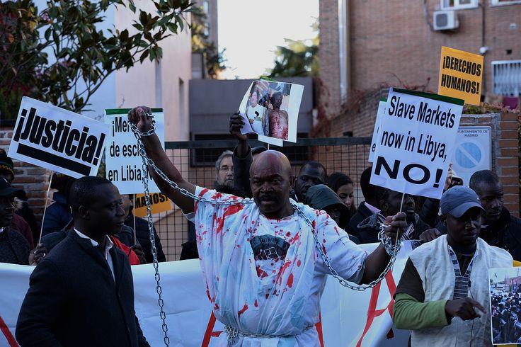 Proteste gegen Handel mit Flüchtlingen in Libyen