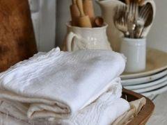 Кухня в стиле прованс (60 фото): французский шарм и деревенское очарование http://happymodern.ru/kuxnya-v-stile-provans-60-foto-francuzskij-sharm-i-derevenskoe-ocharovanie/ kuxnya-v-stile-provans_03