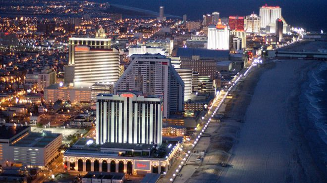 Atlantic City, NJ, discover the best places on and off the Boardwalk to eat, shop, play and get pampered.