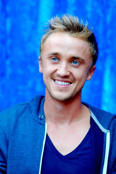 Tom Felton at a fan signing in Illinois. HIS EYES! HIS BLUE EYES!