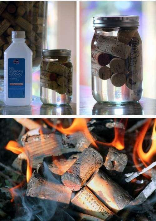 Allume feu pour le barbecue ou la cheminée avec des bouchons de liège trempés dans de l'alcool à brûler