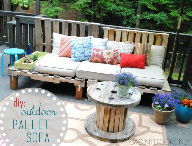 30+ Creative Pallet Furniture DIY Ideas and Projects --> DIY Outdoor Pallet Sofa #DIY #pallet #furniture #repurpose