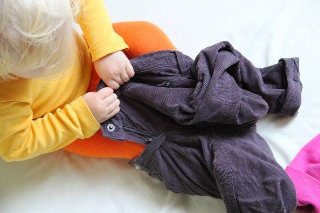 (Strumpf)Hose anziehen mit 21 Monaten. Alleine.