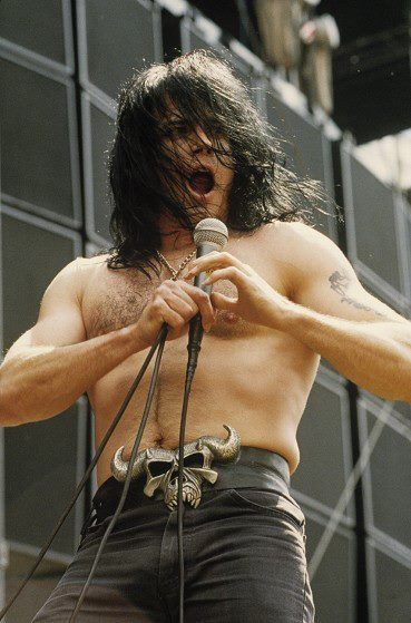 singer, glenn danzig, concert, style, photos, songs