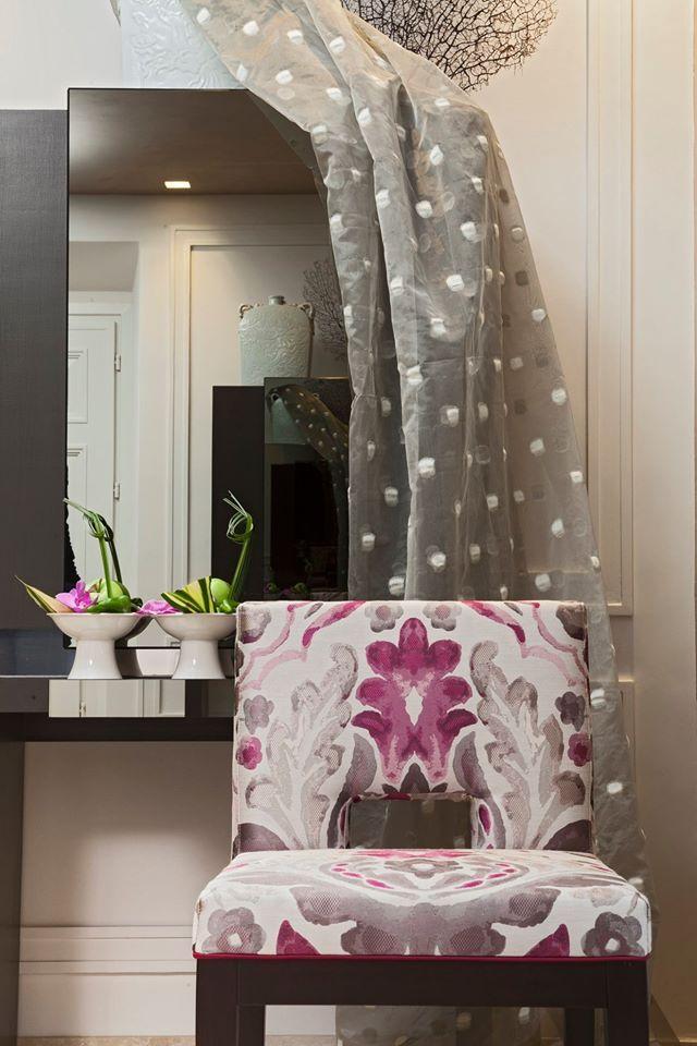 Fiori in casa anche in autunno!  Decorazione dalle linee sinuose e dai colori delicati in combinazione lucido-opaco ad effetto acquerello.  #Collezione #Dance #Tessuto #Cezanne   #tessuti #interiordesign #tendaggi #textile #textiles #fabric #homedecor #homedesign #hometextile #decoration Visita il nostro sito www.ctasrl.com e scarica le nostre brochure su: http://bit.ly/1nhrLQM