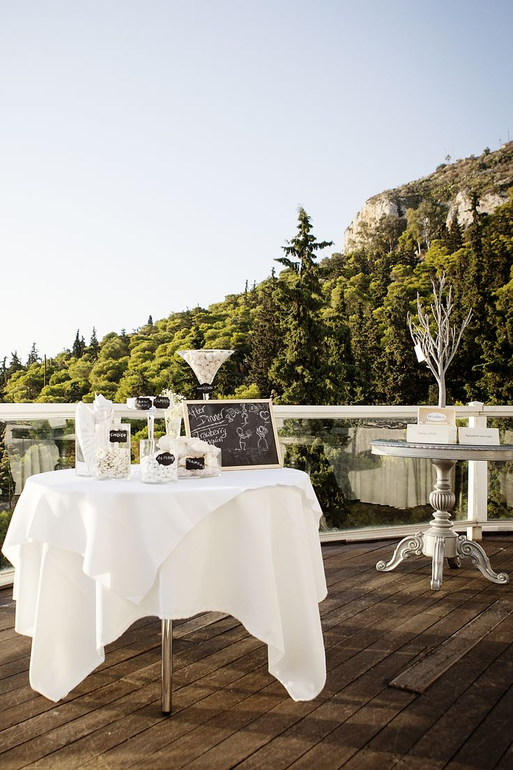 #Dreams In Style #Athens #Greece #beautiful #elegant #candy bar #treats #decoration #weddingplanner  Photo credit: Petros Delatollas