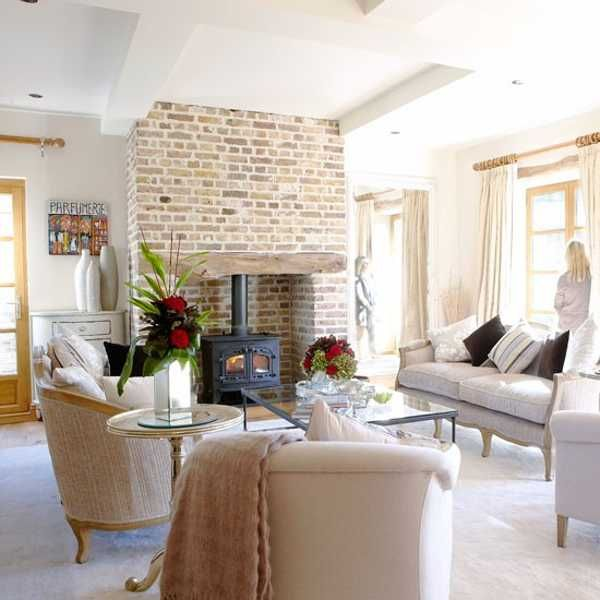 Beautiful english cottage showcases modern interior design for Living room 507