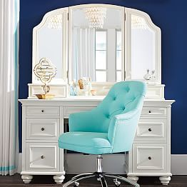 www rooms to go furniture 1000 ideas about bedroom vanities on mirror 17892