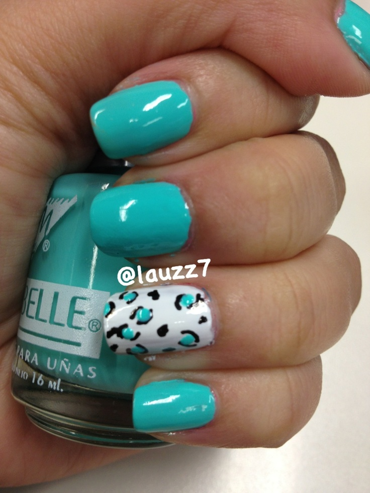 Day 13: Animal print nails #31dayNailArtChallenge Amo el color del esmalte #nail #nails #nailart #nailpolish