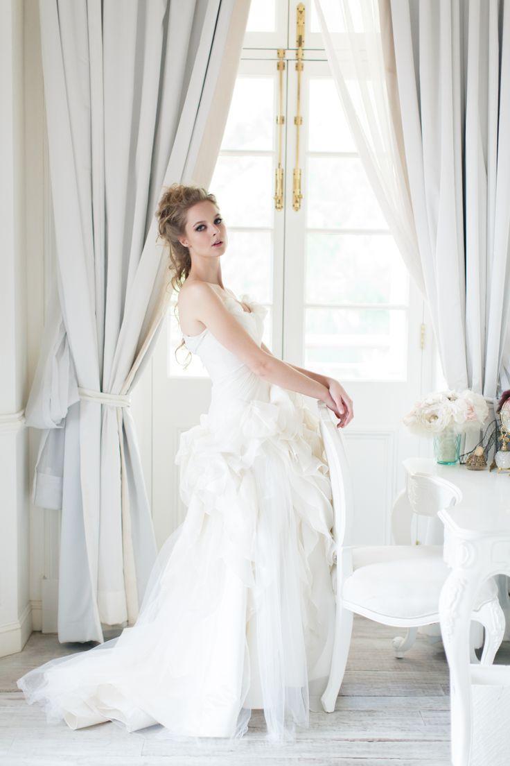 Coral Petals gown from Vivian Luk's White Collection #vivianluk #vivianlukatelier #white #bridal