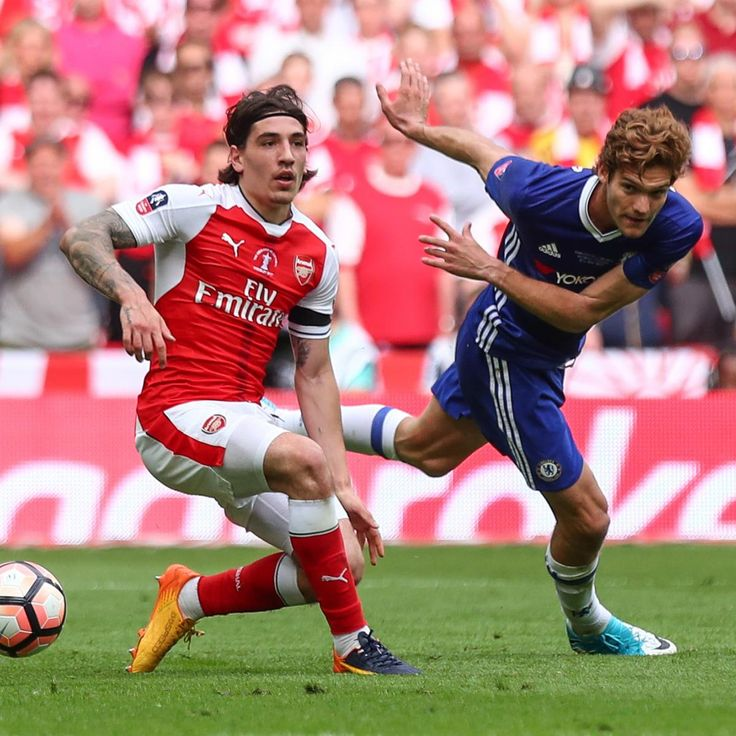 Arsenal vs. Chelsea #AFCvCFC FA Community Shield 2017.  Hector Bellerin and Marcos Alonso.