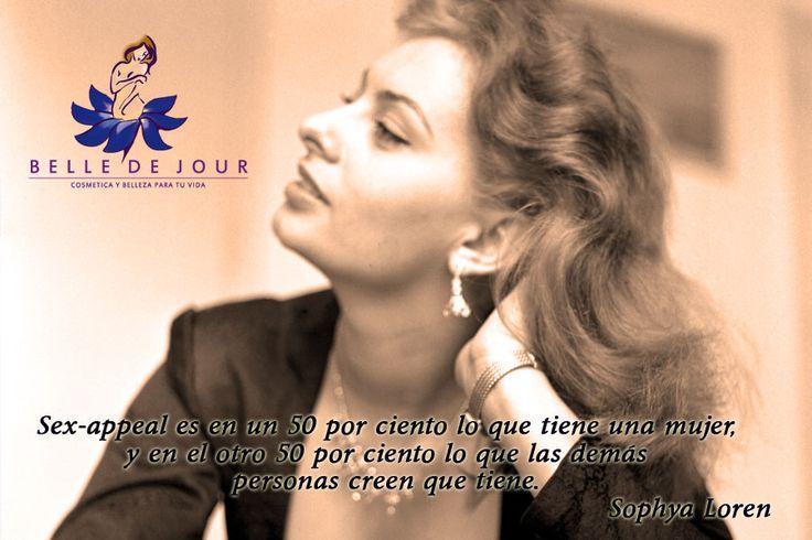 Sophia Loren. Actriz italiana ganadora de unos 50 premios internacionales, entre ellos dos premios Óscar, un premio BAFTA y varias nominaciones a los Globos de Oro.