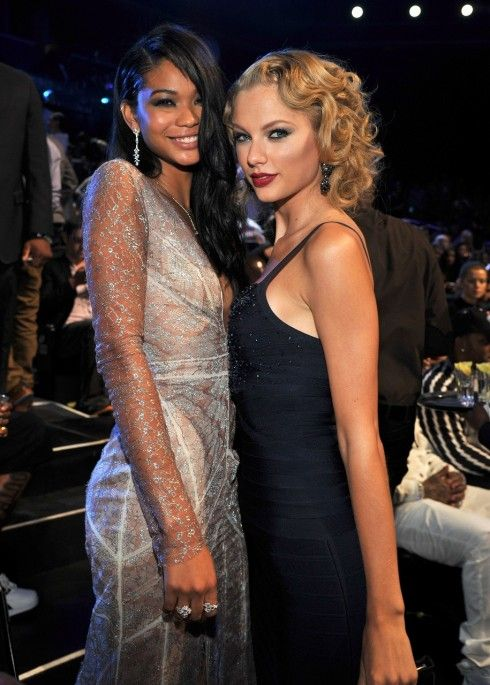 Taylor Swift(テイラー・スウィフト)&Chanel Iman(シャネル・イマン)