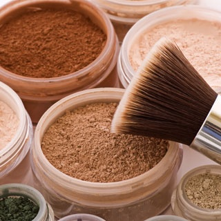 Expert Tips For Buying Eco-Friendly Makeup  Greening up your makeup bag might sound a little daunting, but if you're looking to make more eco-friendly choices, we have some advice on how to find the right Earth-friendly beauty buys for you. Sasha Plavsic, founder of the luxury natural beauty brand ILIA, gives us her green beauty tips, when you read more.