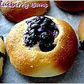 Blueberry buns ( Brioches aux myrtilles)