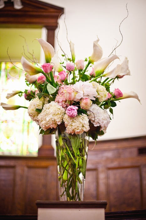 I LOVED the altar flowers at our wedding