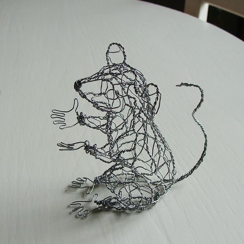 Wire-Sculpture-Talking-Mouse-Left | Flickr - Photo Sharing!