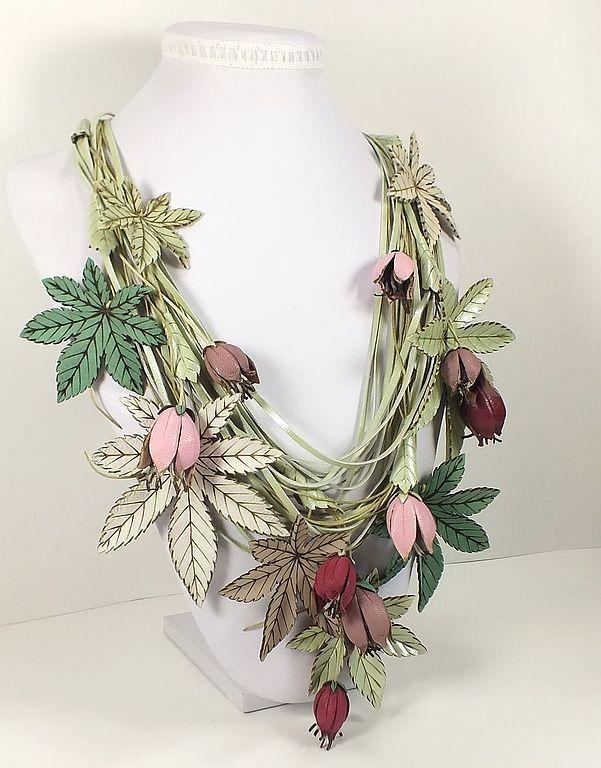 Розово - фисташковый Этюд. Колье из натуральной кожи. Handmade.