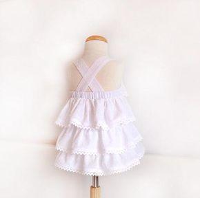 Vestido de plumeti blanco: Costura niñas. | Aprender manualidades es facilisimo.com